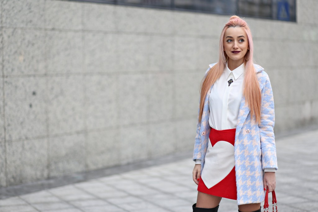 madalina misu, blog moda, fashion blog, signature by mm, signature by m&m, multicolor coat, hearted skirt, heart pattern skirt, fashion, top bloggers, bloggeri de top, style, trendsetter, cum ne imbracam, outfit, love moschino, moschino, fashion days, bagatt