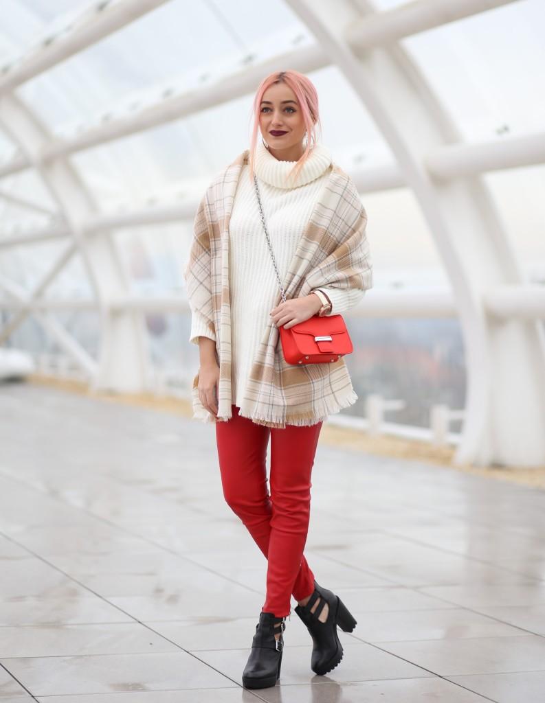 turtleneck_sweater_faux_leather_pants_madalina_misu_choies (1)