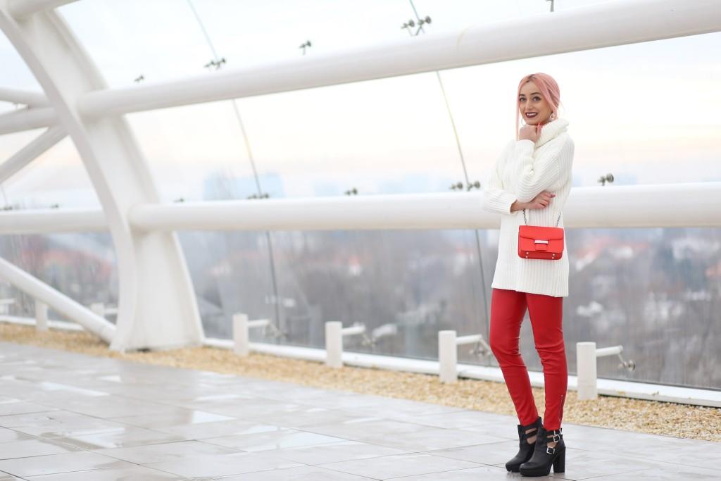 turtleneck_sweater_faux_leather_pants_madalina_misu_choies (15)