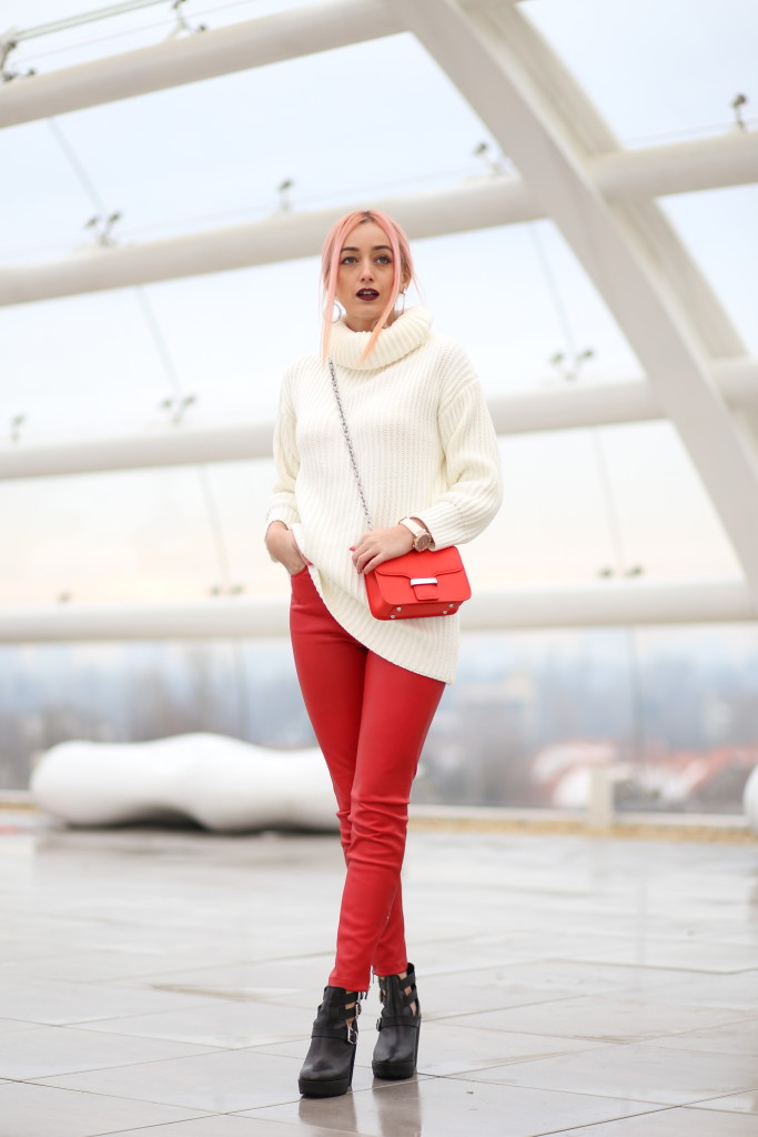 turtleneck_sweater_faux_leather_pants_madalina_misu_choies (9)