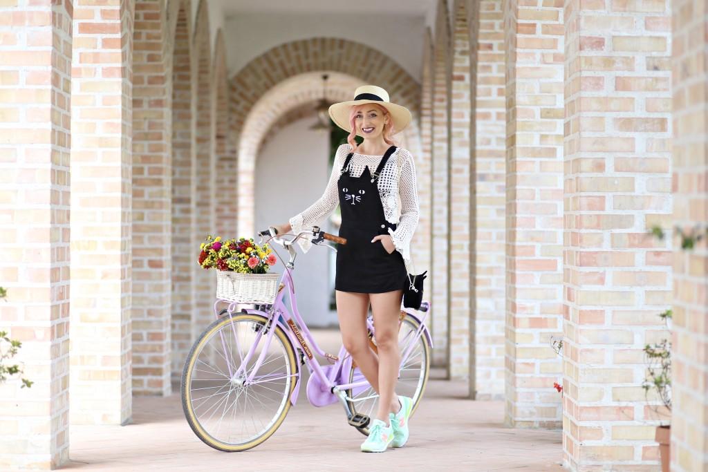 madalina misu, madalina misu fashion blog, blog de moda, fashion blog, madalina misu haine, blog, blogger, top bloggeri, top fashion blogger, top romanian bloggers, cum ne imbracam vara, rochie cu pisica, summer outfit, tinuta de vara, bluza boho, boho chic blouse