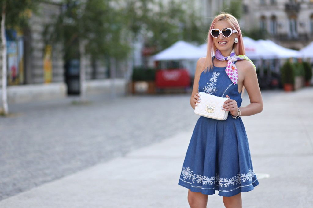 madalina misu, madalina misu fashion blog, blog de moda, fashion blog, madalina misu haine, blog, blogger, top bloggeri, top fashion blogger, top romanian bloggers, denim dress, rochie denim, cum purtam rochia din deni, how to wear the denim dress