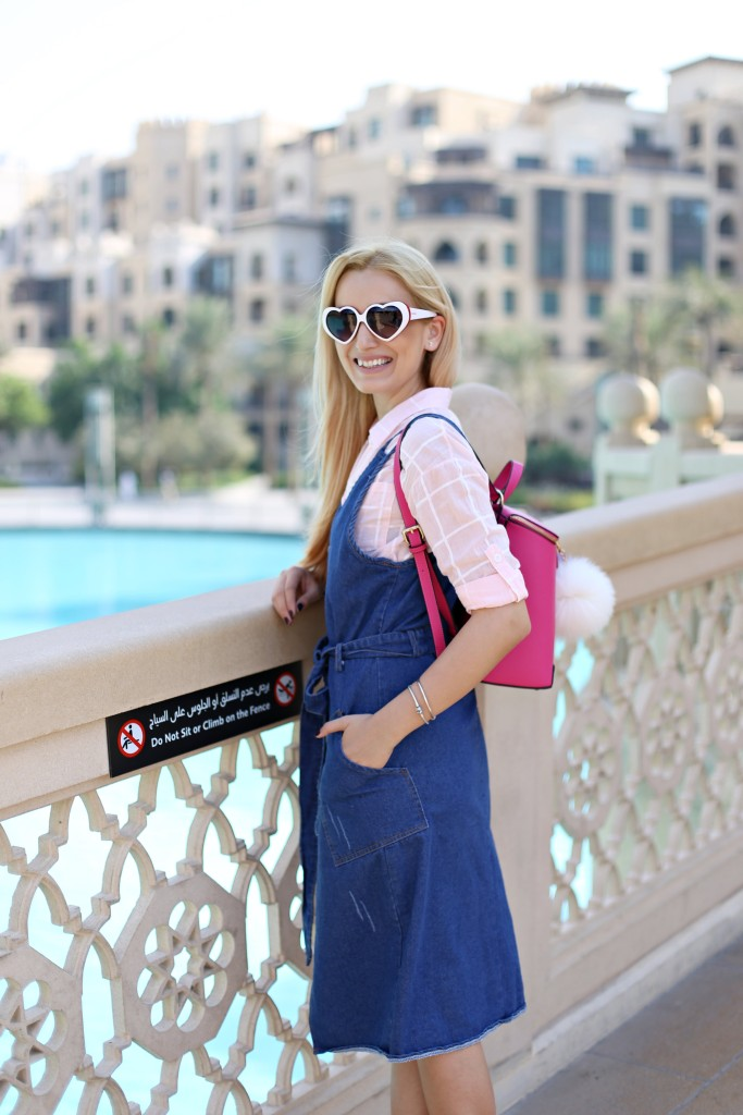 madalina misu, madalina misu fashion blog, dubai mall, vacanta in dubai, mall of the emirates, burj khalifa, blog, blogger, fashion blogger, fashion blog, top bloguri moda, top fashion bloggers. rochie denim, cum purtam rochia din denim, mamiche, mamiche parere, geanta mamiche, rucsac mamiche