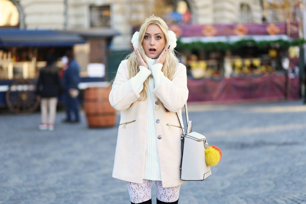 madalina misu, madalina misu fashion blog, mamiche, rucsac pom pom, rucsac mamiche, geanta pom pom din blana naturala, blog de moda, fashion blog, winter outfit, lace pants, ootd, winter, baby it is cold outside, top fashion bloggers, romanian bloggers