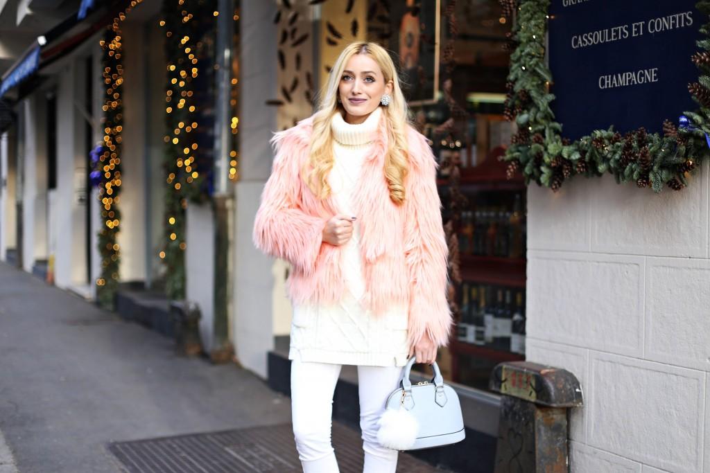 madalina misu, madalina misu fashion blog, blog de fashion, blog de moda, top bloguri, top fashion bloggers, top romanian bloggers, jacheta din blana, jacheta din blana artificiala, jacheta din blana ecologica, cum purtam jacheta din blana artificiala, jacheta din blana, trenduri 2017, ce purtam in 2017, outfit of the day, ootd