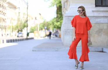 madalina misu, madalina misu fashion blog, blog de fashion, blog de moda, top bloguri romanesti, top fashion bloggers, orange is the new black, victoria s secret, woman fashion, asos, quay australia, top bloguri romanesti. top romanian fashion bloggers, ruffle trend, ce purtam vara 2017, pantaloni cu volane, ruffled trousers