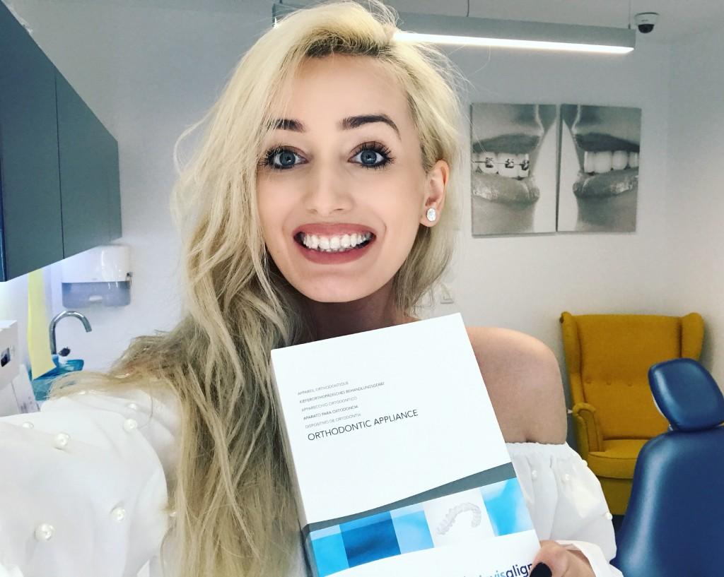madalina misu, madalina misu fashion blog, blog de moda, fashion blog, denttaglio clinic, monica hazizi, klodian hazizi, invisalign, indreptarea dintilor cu invisalign, cum obtii zambetul perfect, invisalign denttaglio clinic, cat costa invisalign, primii pasi pentru invisalign, cum indreapta dintii invisalign, tratament ortodontic, tratament ortodontic cu invisalign, invisalign sau aparat cu bracketi, avantaje invisalign, invisalign ieftin, cum imi indrept dintii, ce trebuie sa faci pentru a purta invisalign, invisalign parere, denttaglio clinic parere, clinica stomatologica buna, clinica stomatologica floreasca, monica hazizi parere, ortodont bun