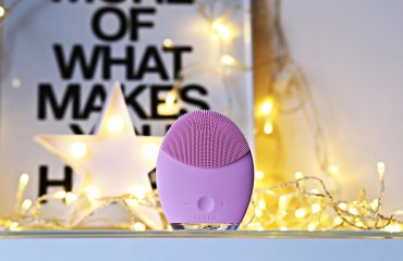 madalina misu, madalina misu fashion blog, blog de moda, madalina misu blog, foreo, luna, iris, issa, foreo review, foreo parere, douglas, reduceri black friday, foreo black friday, cadoul perfect black friday, cadou craciun, beauty tips and tricks, smart shopping, beauty tips, top bloguri, top fashion bloggers, top romanian bloggers
