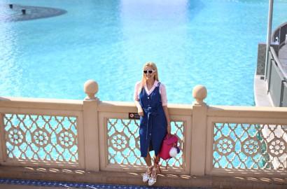 madalina misu, madalina misu fashion blog, dubai mall, vacanta in dubai, mall of the emirates, burj khalifa, blog, blogger, fashion blogger, fashion blog, top bloguri moda, top fashion bloggers. rochie denim, cum purtam rochia din denim, mamiche, mamiche parere, geanta mamiche, rucsac mamiche